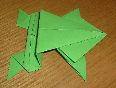Origami: grenouille sauteuse